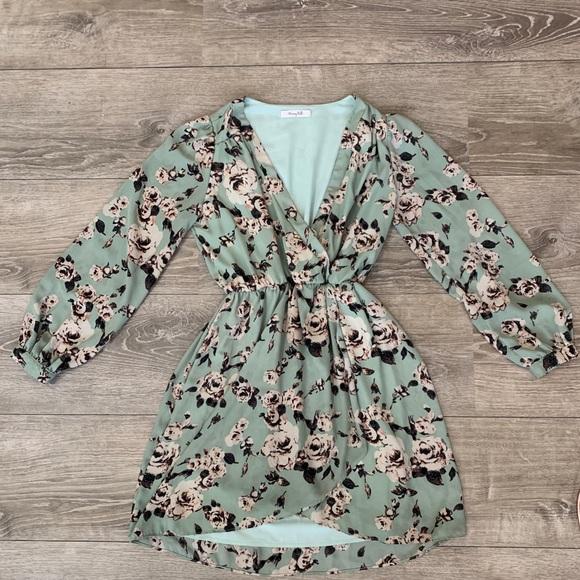 Honey Belle Dresses & Skirts - Pretty floral long sleeve dress by Honey Belle